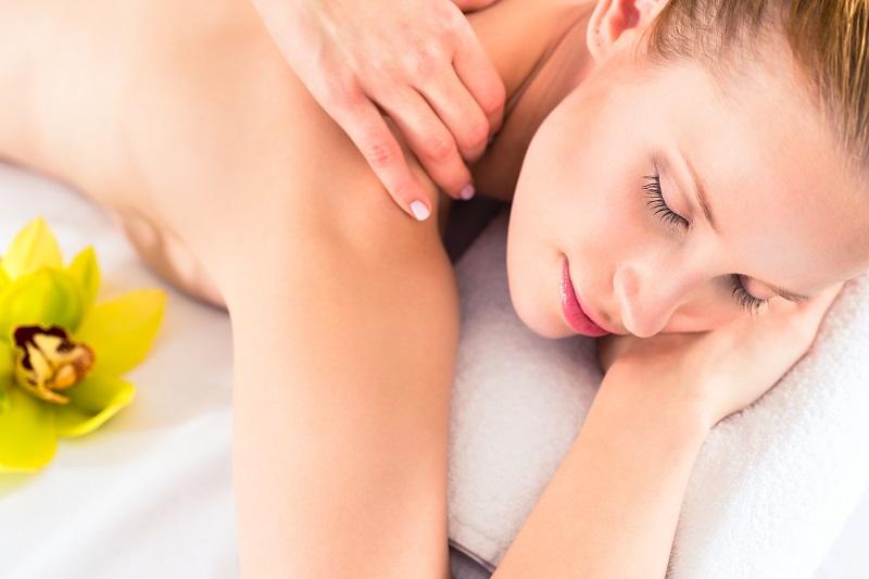 Czy wiesz jakie techniki masażu klasycznego fizjoterapeuci wykonują w gabinecie?