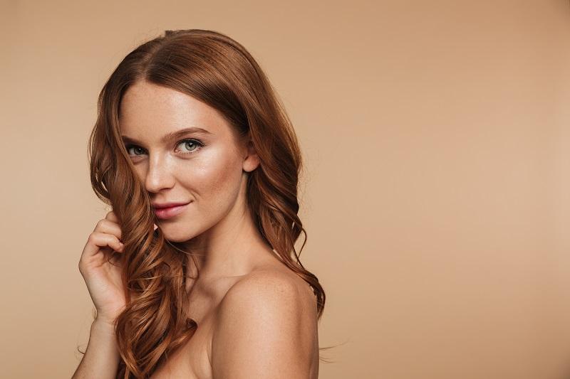 Jak zadbać o włosy? Podstawowe zasady pielęgnacji