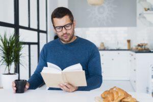 Czy warto kupować gotowe okulary do czytania?